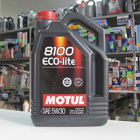 Motul 8100 Eco-lite SAE 5W30